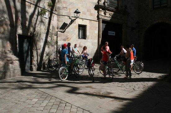 Baja Bikes Barcelona: Verhalen over het plein