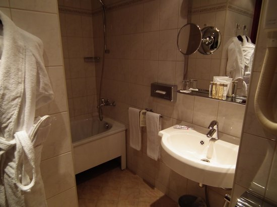 Grand Hotel Emerald: Bathroom