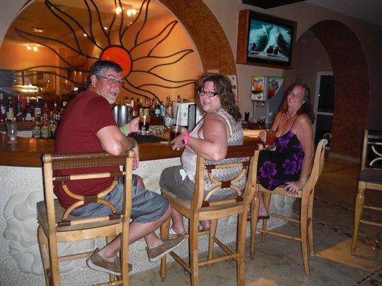 Sunset Fishermen Spa & Resort : The Lobby Bar