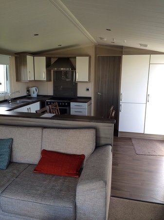 Perran Sands Holiday Park - Haven: Prestige kitchen
