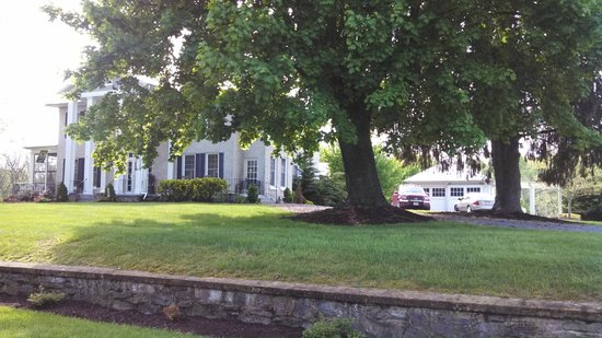 Steeles Tavern Manor Bed and Breakfast: Cottages for rent are also on the property