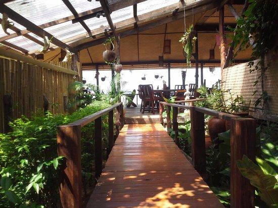 Amber Sands Beach Resort : The restaurant