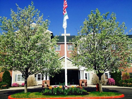 Homewood Suites by Hilton Boston/Andover: Entrance of the Hotel