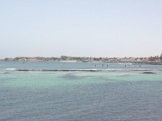 Suite Hotel Atlantis Fuerteventura Resort : La mer en pleine ville de corralejo