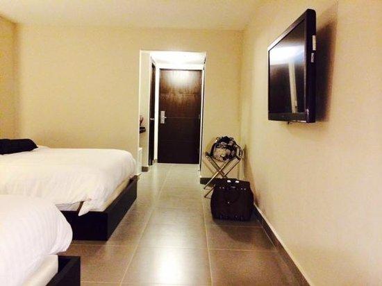 Hotel Coclé: Vista hacia la puerta de salida
