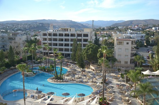 Atlantica Oasis Hotel: Family block of rooms, with large bedrooms.