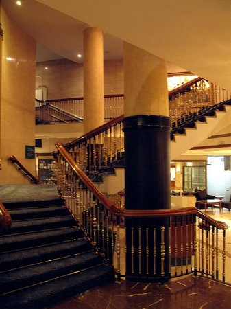 London Hilton on Park Lane: Rear lobby