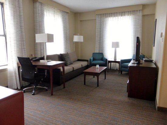 Residence Inn Memphis Downtown: Suite 1008