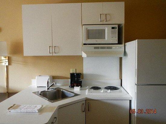 Extended Stay America - Foxboro - Norton: kitchen