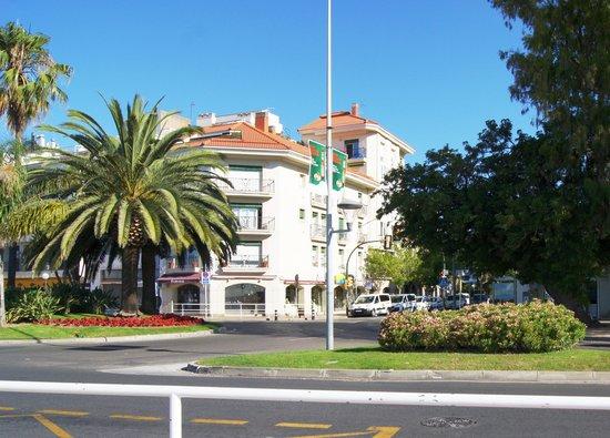Apartamentos Pepita Bandert: между апартаментами и пляжем