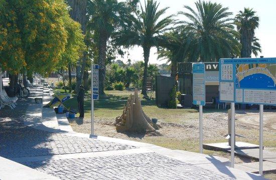 Apartamentos Pepita Bandert: заход на пляж