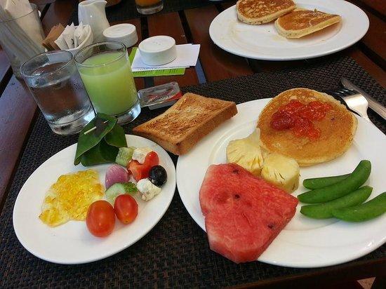 Crown Lanta Resort & Spa : Frukostbuffe
