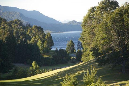 Llao Llao Hotel and Resort, Golf-Spa: Nahuel Huapi vista desde la habitación