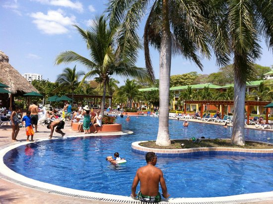 Royal Decameron Beach Resort, Golf & Casino: piscina