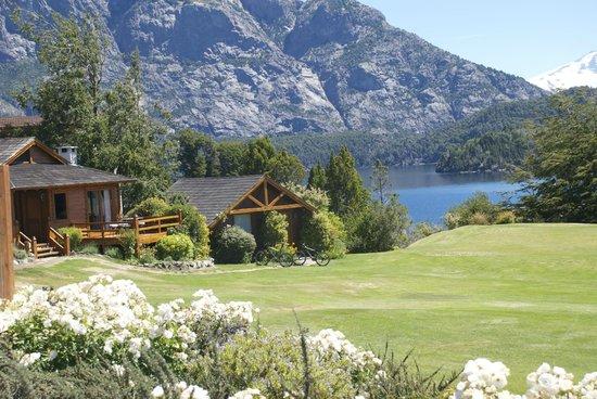 Llao Llao Hotel and Resort, Golf-Spa : parte del hotel y lago Moreno