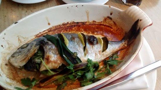 Apex City of London Hotel: Delicioso peixe assado!