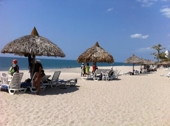 Royal Decameron Beach Resort, Golf & Casino : playa