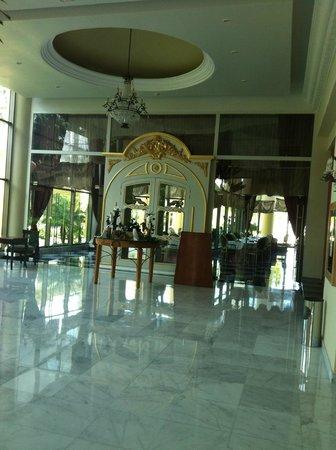 Iberostar Grand Hotel Paraiso: Outside the Gourmet restaurant