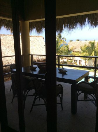 Zoetry Agua Punta Cana: Our private dinning area outside of our suite.