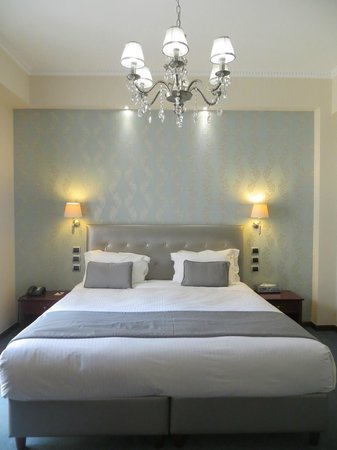 AVA Hotel Athens : beautiful bed