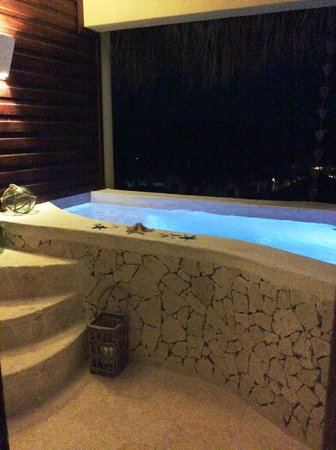 Zoetry Agua Punta Cana: Our private pool at night