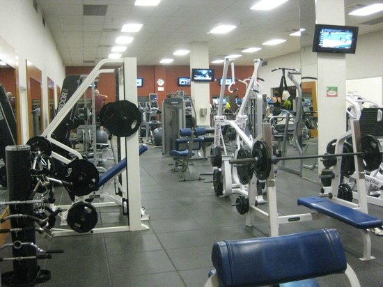 Hilton New Orleans Riverside : work out facility