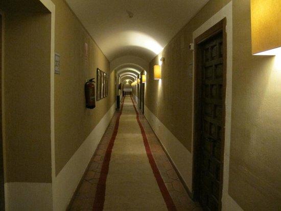 Parador de Cuenca : Pasiilos a habitaciones