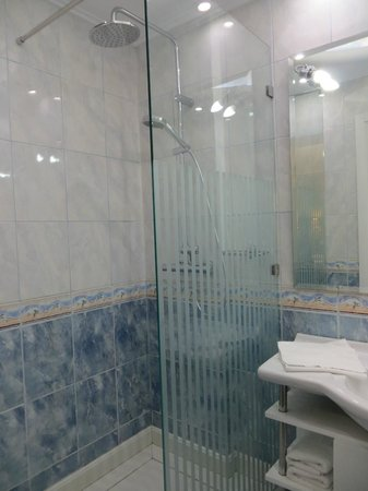 AVA Hotel Athens : bathroom
