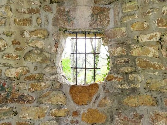 Berkeley Springs Castle : looking out window of small tower