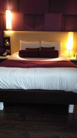 Hotel Indigo Birmingham : Bed