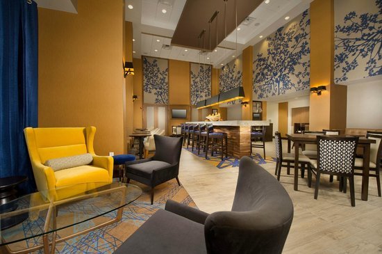 Hampton Inn & Suites Baltimore / Woodlawn: Lobby
