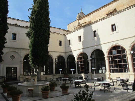 Parador de Cuenca : Patio interior