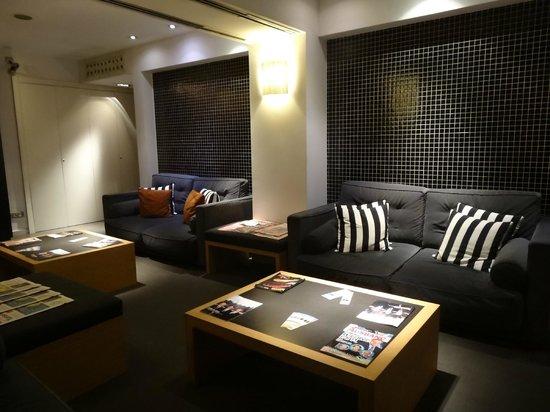 Hotel Jazz: Lobby Lounge