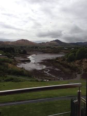 Sneem Hotel : The view from the room with the tide out. Stunning!
