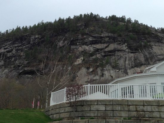 White Mountain Hotel and Resort: View of part of Cathedral Ledge outside the hotel