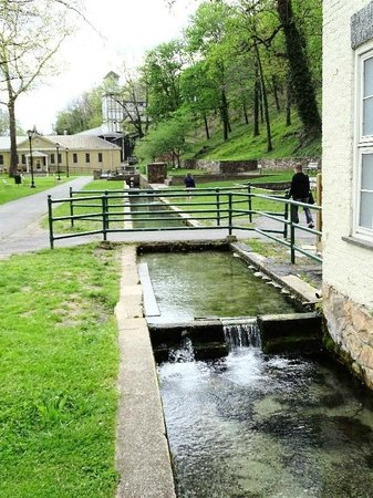 Berkeley Springs State Park: people still wade and sit in the waters here