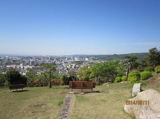 Kamine Park: かみね公園展望台