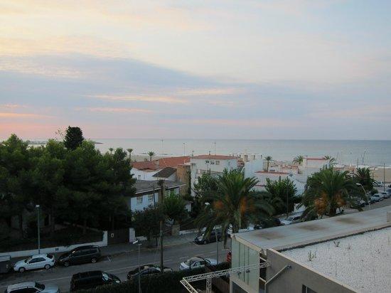 Nuba Hotel Comarruga : Вид из номера 4 этажа