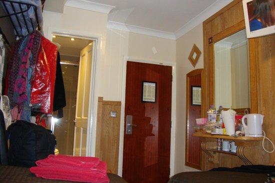Huttons Hotel : Habitación twin standard