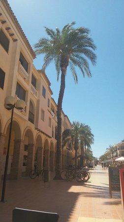 Hotel Costa Narejos: the square