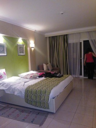 Tropitel Naama Bay: our room lush