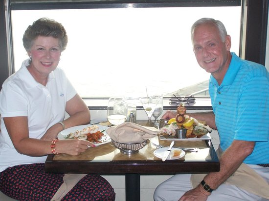 The Quarterdeck Waterfront Dining: Anniversary dinner!