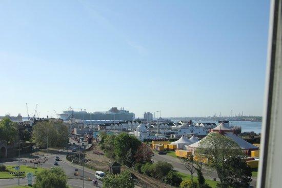 Holiday Inn Southampton: Blick auf den Hafen