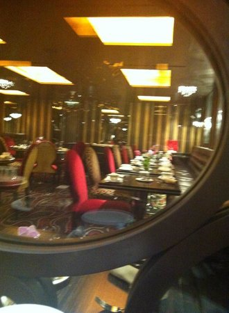The Grill at Flemings Mayfair: Inside Flemings bar and restaurant