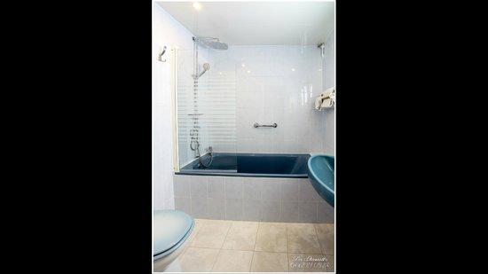 Hotel Les Charmettes: salle de bain