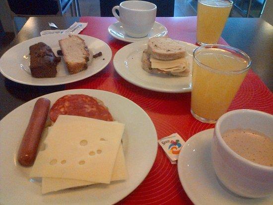 Hotel Sant Antoni: Desayuno