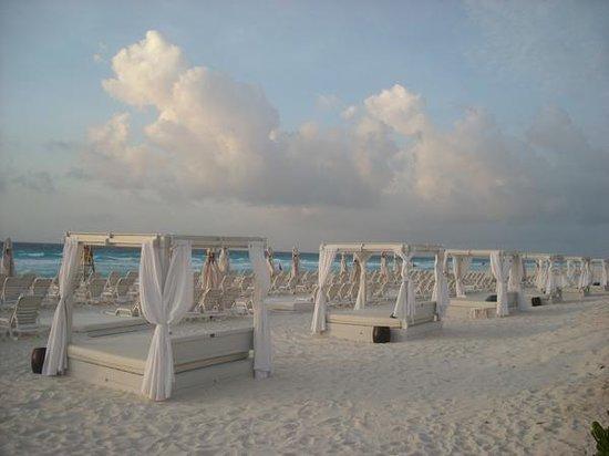 Live Aqua Beach Resort Cancun: Wow! Beautiful.