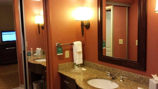 Homewood Suites Fredericksburg: bathroom