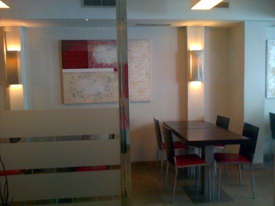 Hotel Sant Antoni: Salón desayunador