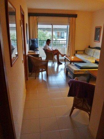 Eden Playa: Stor stue med gode møbler